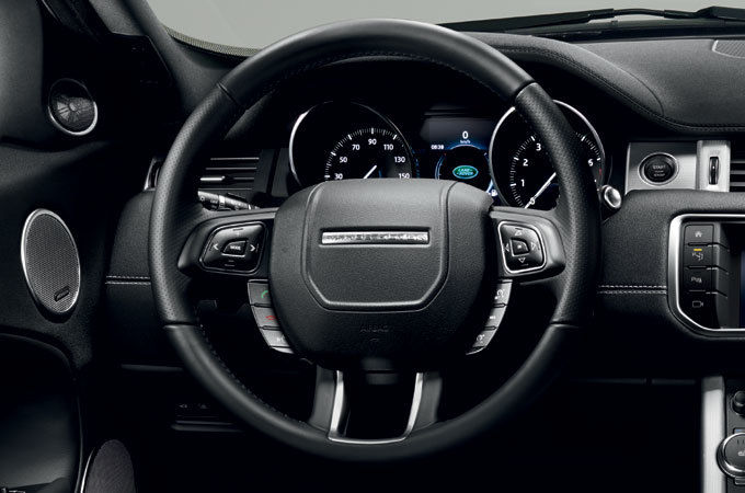 SOFT TOUCH SPORTY STEERING WHEEL