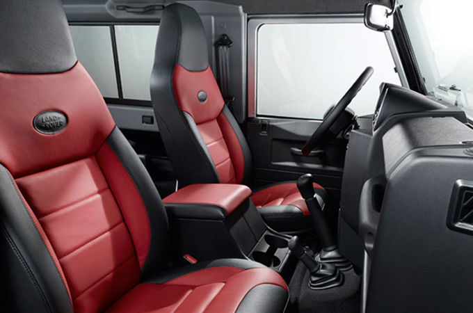 HIGH QUALITY LEATHER INTERIOR